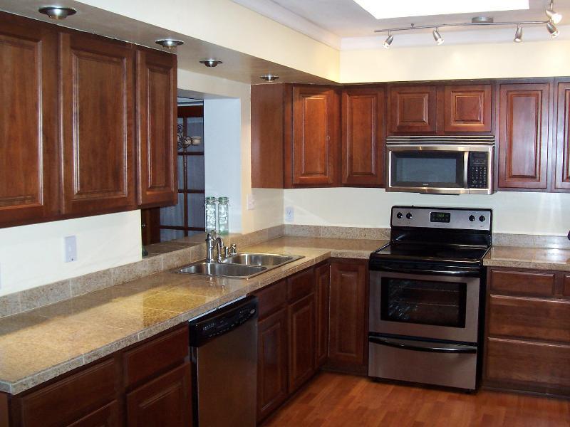 needs kitchen renovation