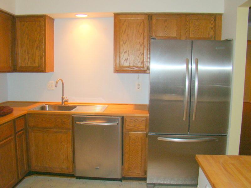 needs a kitchen renovation